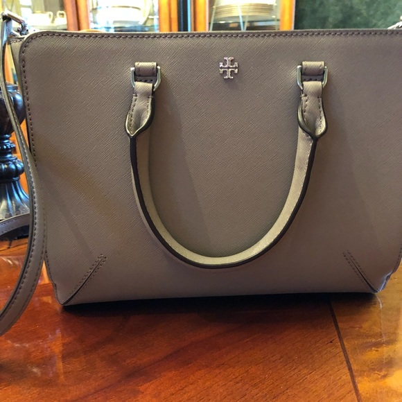d74807ff6d5 Tory Burch Robinson Small Zip Tote French Gray. M_5ab645f484b5ce81a00b6094